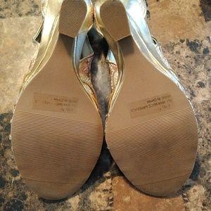 Qupid Shoes - 7 1/2 wedge ladies shoe